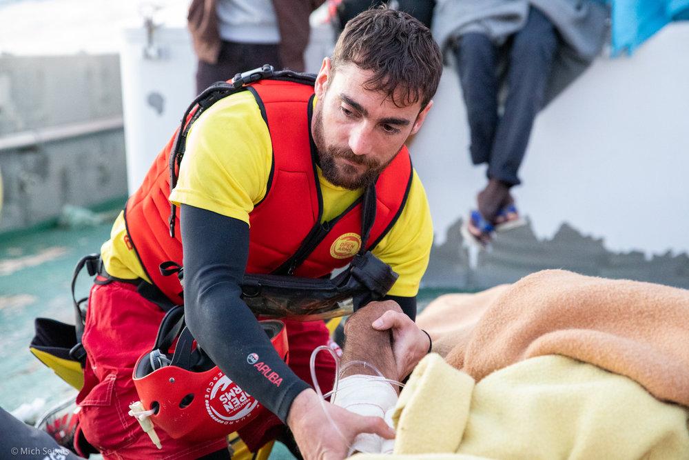 mediterranea-open-arms-madre-de-loreto-pescadores_refugiados-michseixas-9405.jpg