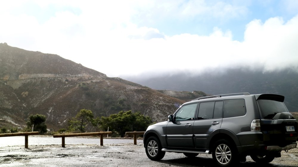 If you rent your own car, you can find hidden gem spots like this one!