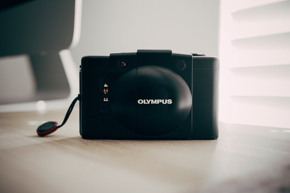 Olympus XA-2