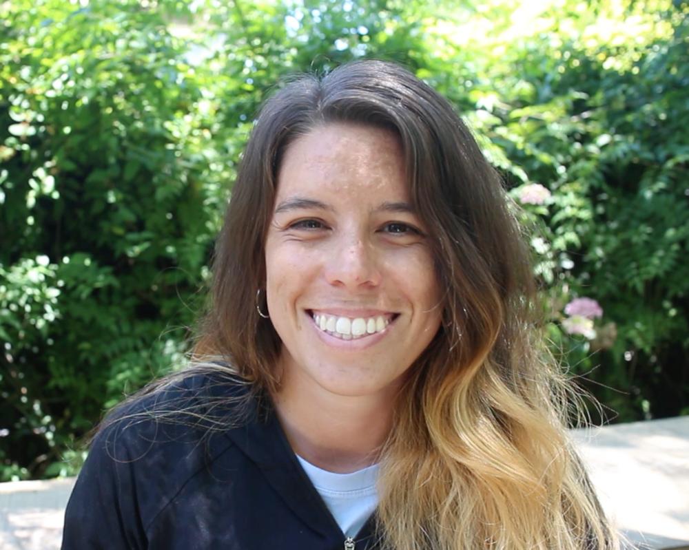 """Julia Becaria   ¨Swarupa é uma jornada para se reconectar com a natureza, consigo mesmo e sair com energia renovada, se sentindo em paz com tudo."""""""