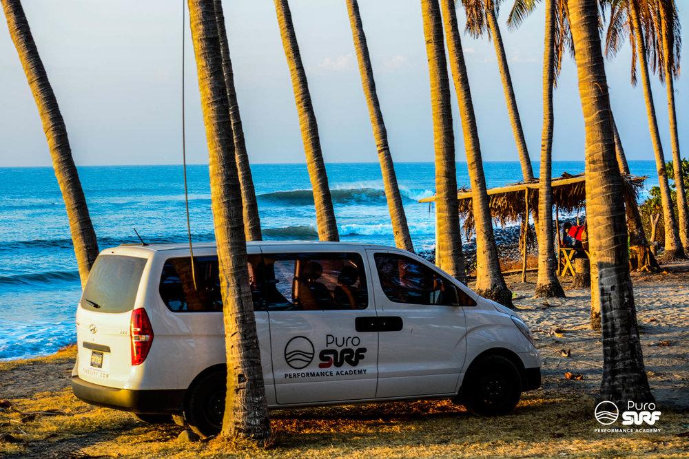 Cada día nos iremos en busca de las mejores olas dependiendo las condiciones de oleaje, viento y mareas.