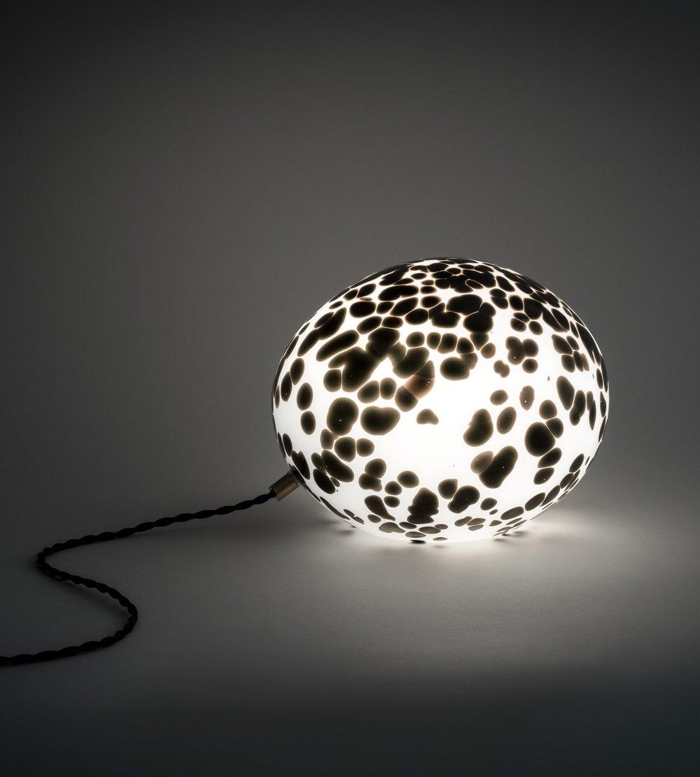 Egg Lamp BlackDKK 8.500 · EUR 1.150 -
