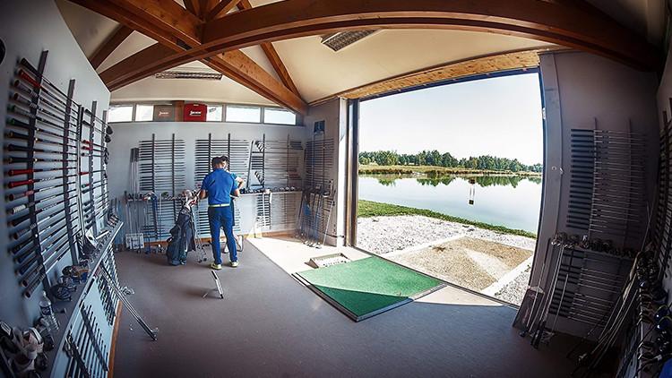 Le fitting studio - Pour choisir ses clubs parmi les plus grandes marques et les customiser.