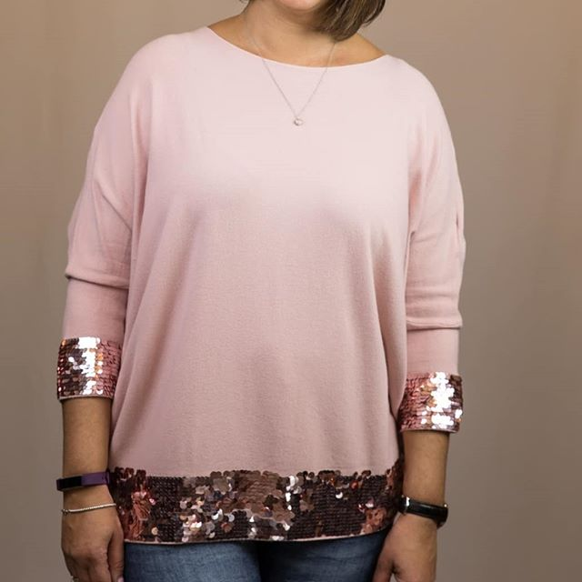 Just think pink  Call the store to order - 02088405867  #kleinandwallace #aw2018 #autumnessentials #40plusnotgivingupyet #ontrend #womenswear #independentboutique #northfieldavenuew13 #supersoftsweater