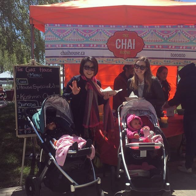 Everyone is loving the chai and samosas! Come join us @towaterfront and try out our very own special Mac'n'Cheese Masala samosas and Kashmiri Chai! #samosa #chai #waterfrontmarket #chaiandsamosa #chaiislife