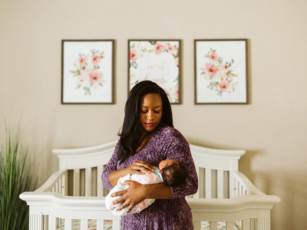raleigh-lifestyle-newborn-photographer-5.jpg