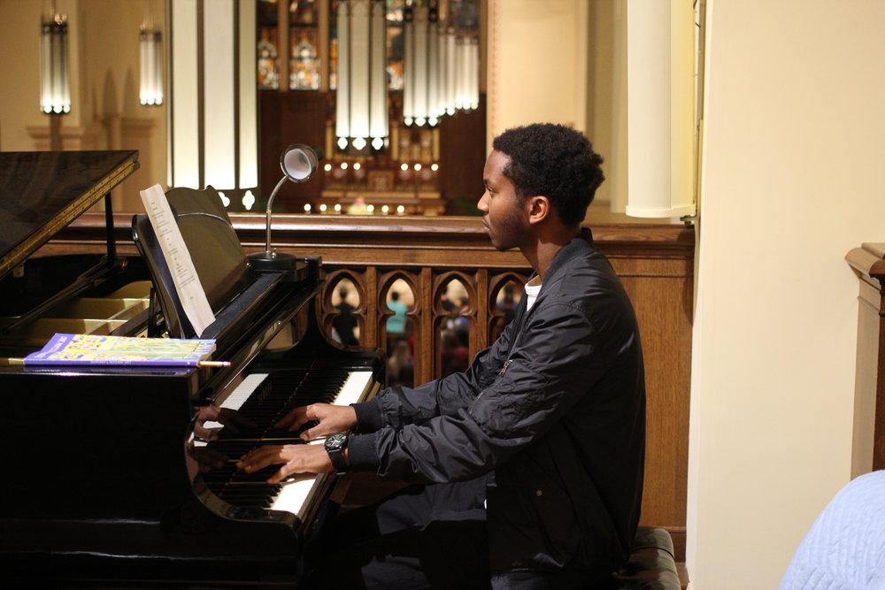2017-09-24 Rwandan Choir Sunday Mass-001.JPG