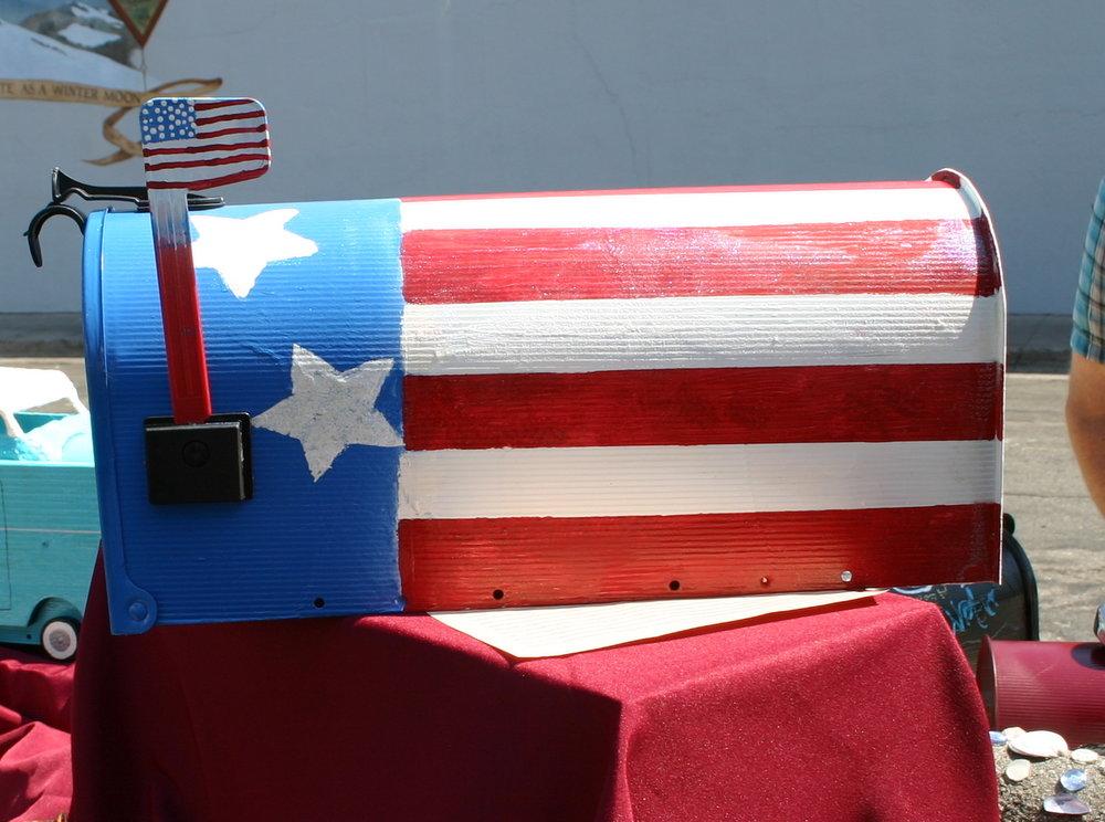 "Anne Murphy's""American Flag"" won the   ""PATRIOTICTAWARD"""