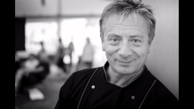 AMAZING NEWS! The one and only @SeanWilsonChef AKA Martin Platt will be joining us in #Bournemouth this Saturday! Creating some amazing cooking demonstrations and with his award winning #ArtisanCheese  Make sure you get your tickets NOW as we only have 300 tickets remaining across all sessions! www.Cheesefestuk.com/bournemouth  #Cheese #Cheesefest #MartinPlatt #plattsBack #Foodie #Foods #Bournemouth #VisitBournemouth #Cheeseme