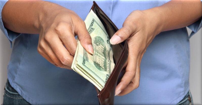 paying-cash.jpg