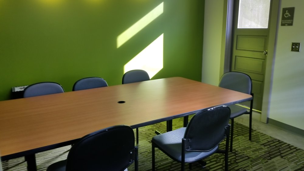 Members can use the conference room to hold meetings, workshops or other business-related events.