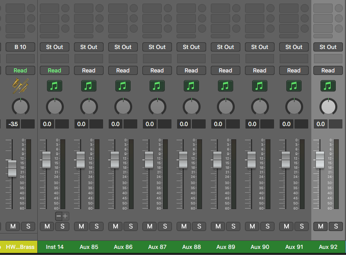 Here we see our 9 tracks - 1 instrument track and 8 AUX tracks.