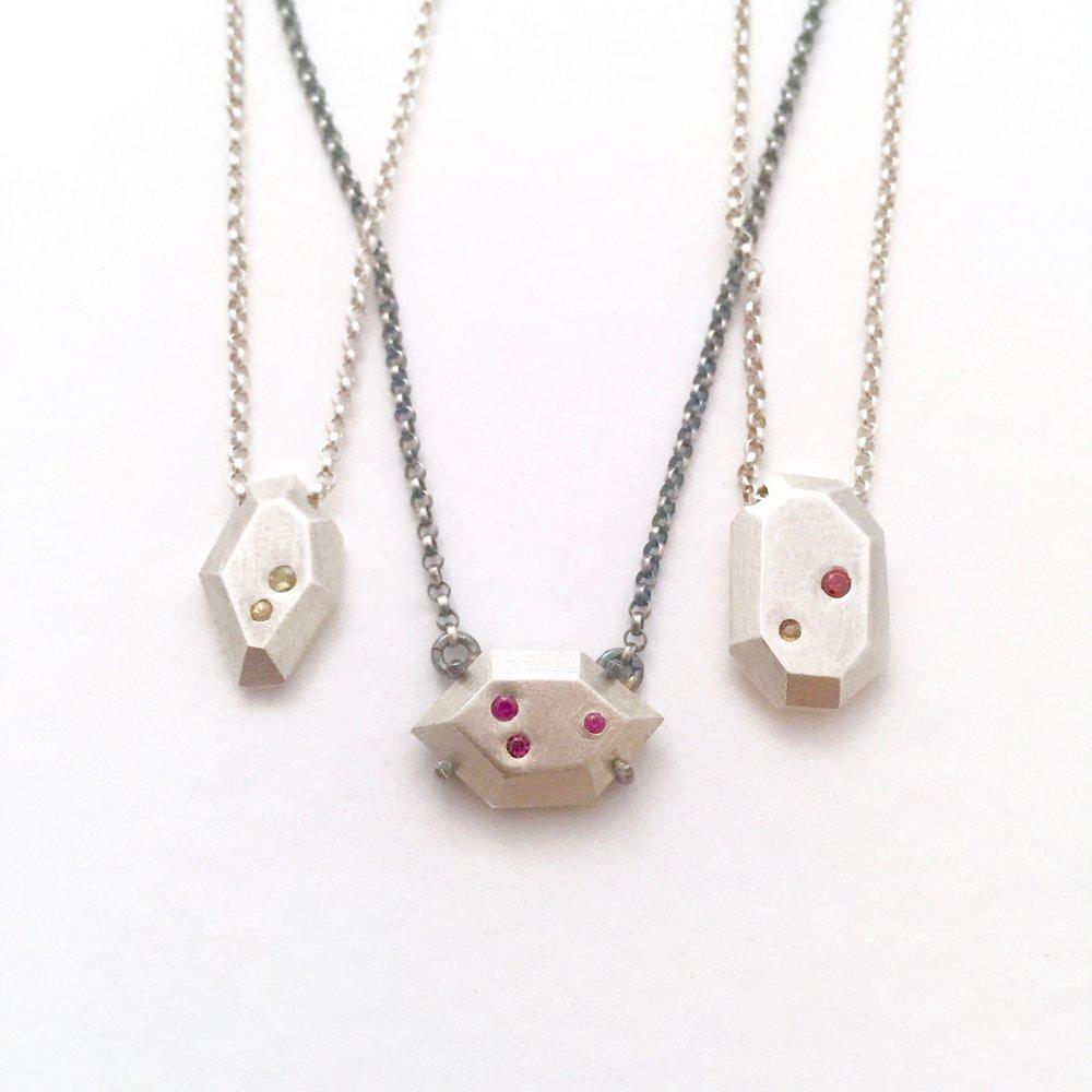 krees_necklace3.jpg