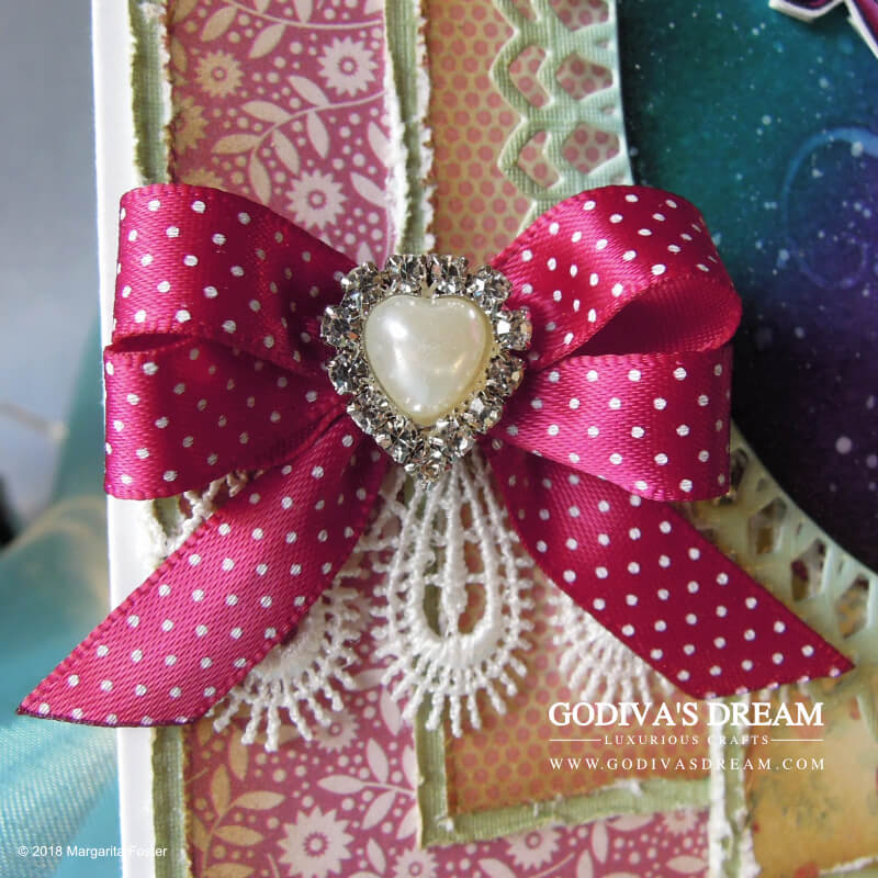 "Floral Birthday Card ""Make a Wish"" by Godiva's Dream. Flowers never go out of fashion when it comes to cards. This project takes the floral concept a step further and uses a stylised dandelion stamp as its focal point. #cardmaking #papercrafting #handmadecard #birthdaycard #stamping"