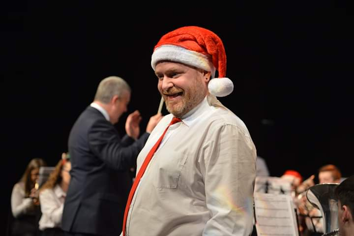 Ged singing white christmas 2018.jpg