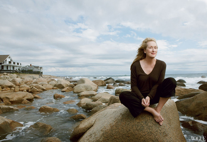 Meryl-Streep-Vogue-January-2012-photo-Annie-Leibovitz.jpg