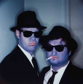 annie-leibovitz-dan-aykroyd-and-john-belushi-(blues-brothers),-hollywood,-california.jpg