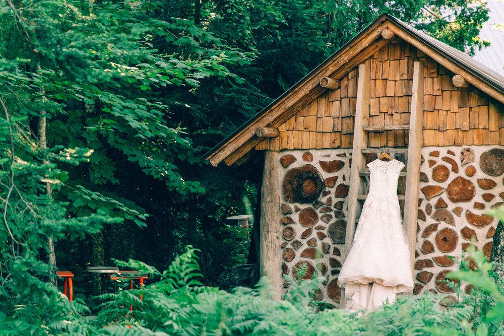 ashlyn-travis-wedding-0003.jpg