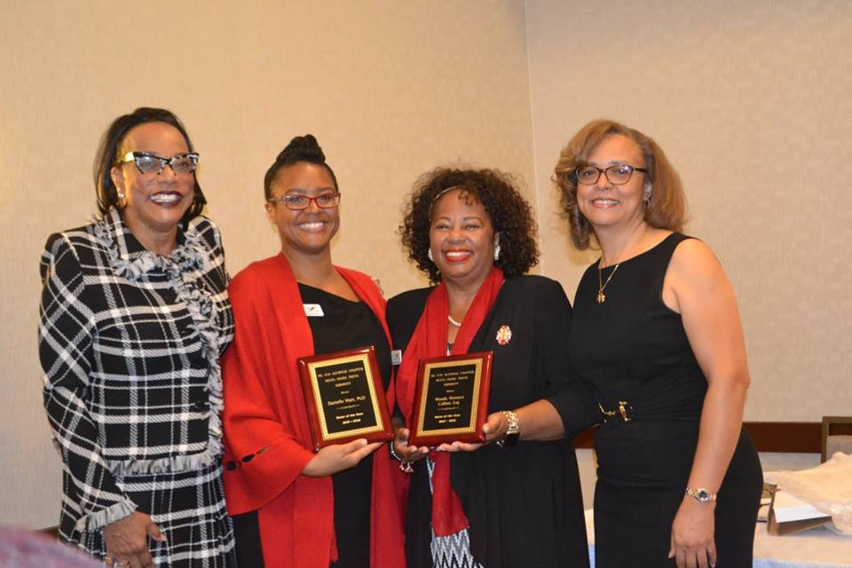 Soror's of the Year with Pres and VP 2.jpg