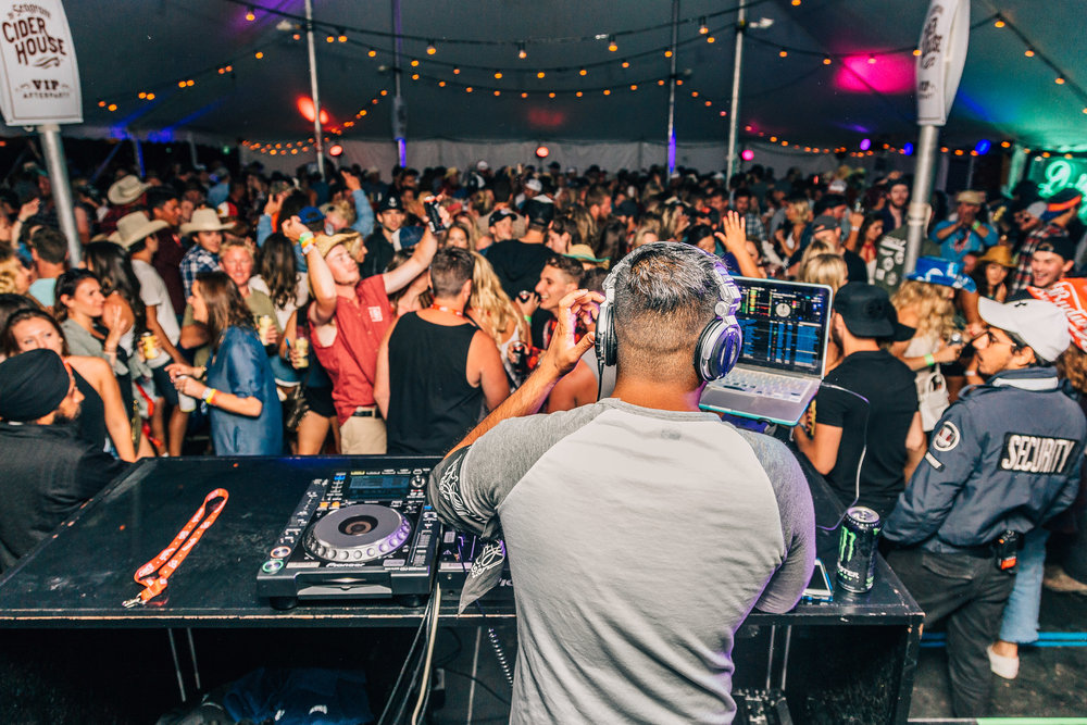 DJ Johnny Rivex throwing down at the Boots and Hearts VIP after party