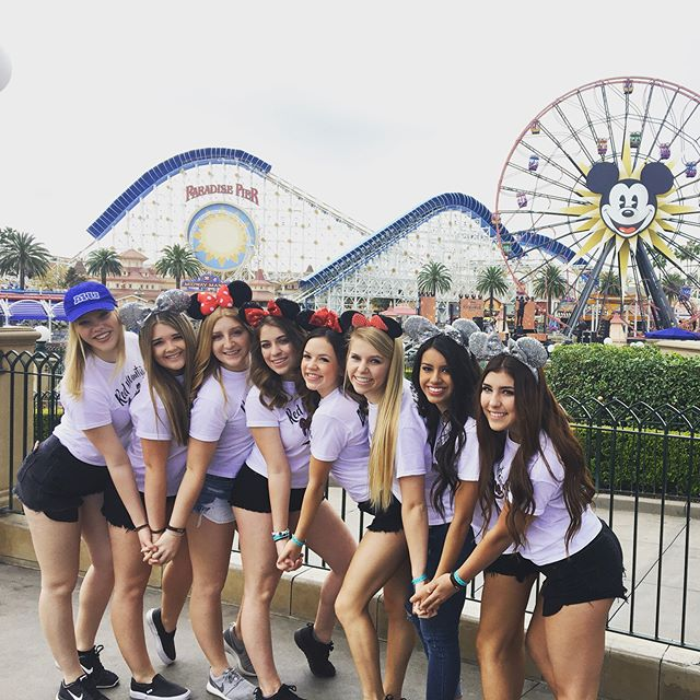 Throwing it all the way back to Anaheim Nationals with the RMHS Pommies and their adorable custom tees 😍😍🤗🤗