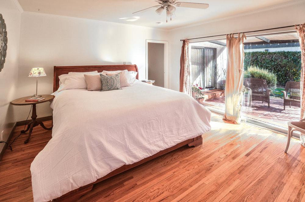 Bedroom1h.jpg