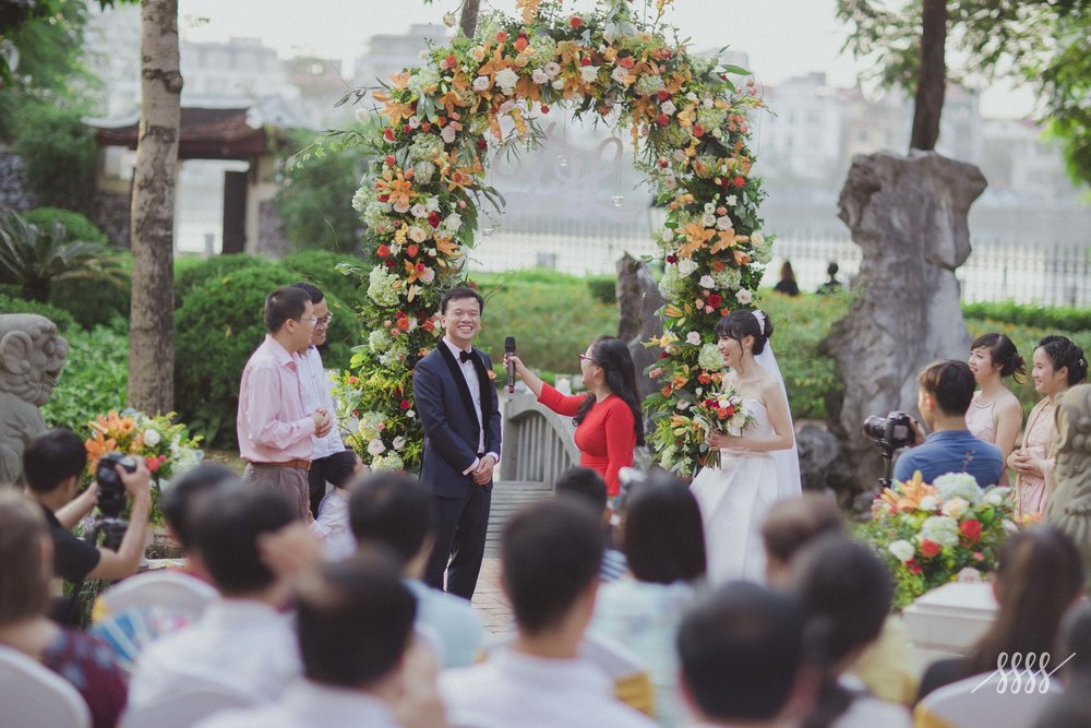 "LY & DUNG - ""Dear Ngoc, Giang & The F Lab team,Although I'm still a bit tired after our wonderful wedding yesterday, I feel the need to write to you immediately. Our celebration was beyond my every imagination and I know The F Lab played an important part to make it happen...."