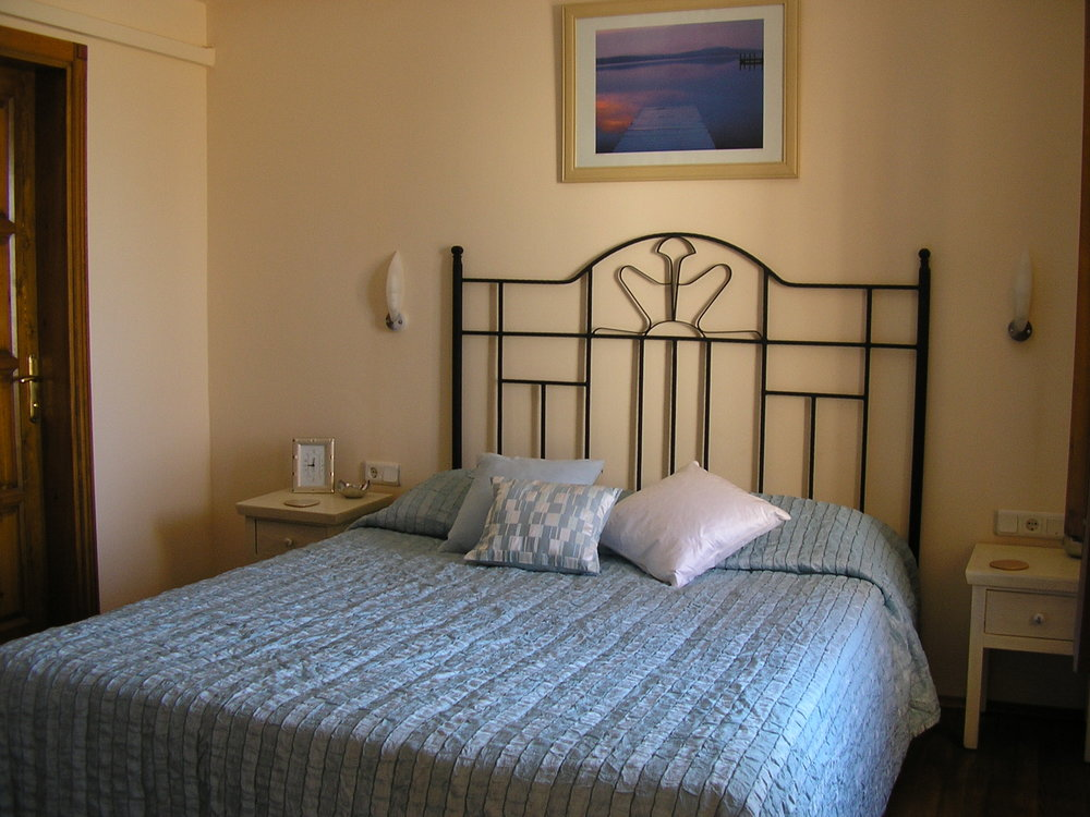 Poppy Villa Blue Bedroom Double Bed.JPG