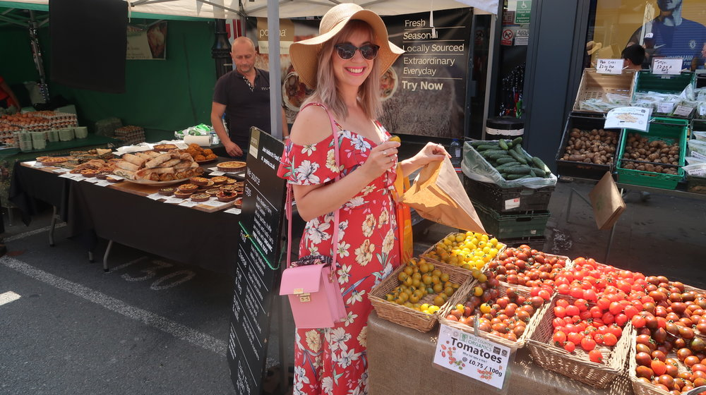 One of my favourite things to do is shop at the farmer's markets on the weekend and I ADORE tomato season!