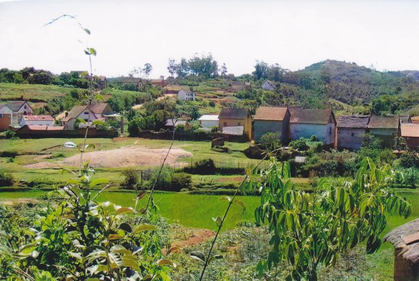 A small Malagasy village (Photo Credit: Valerie Wayson)