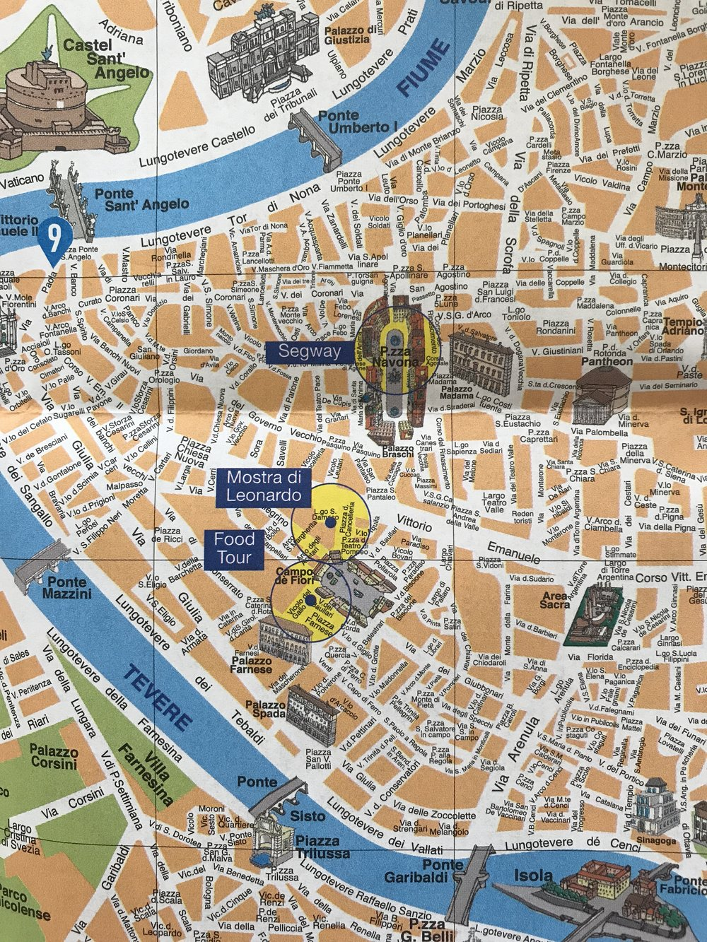 A tourist map of Rome with the streets and noteworthy attractions