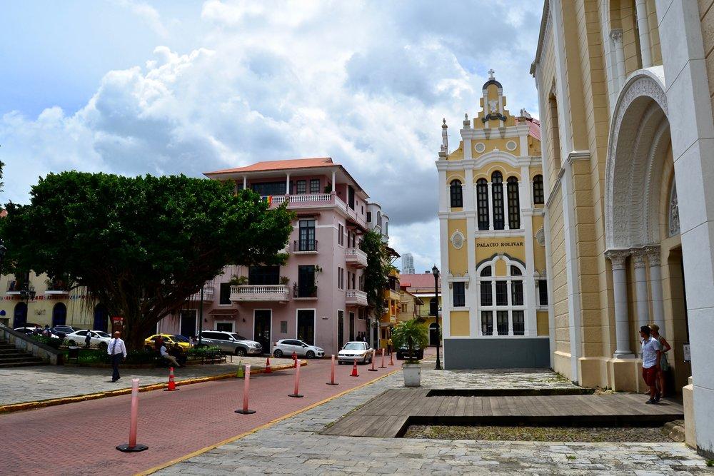 Palacio Bolivar.jpg