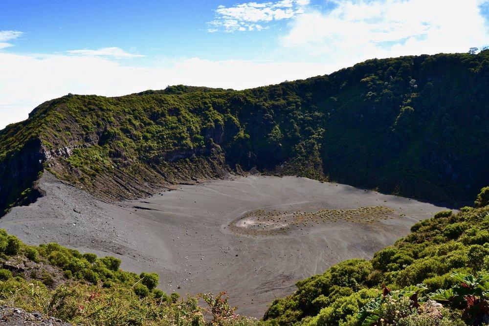 Diego de la Haya Crater