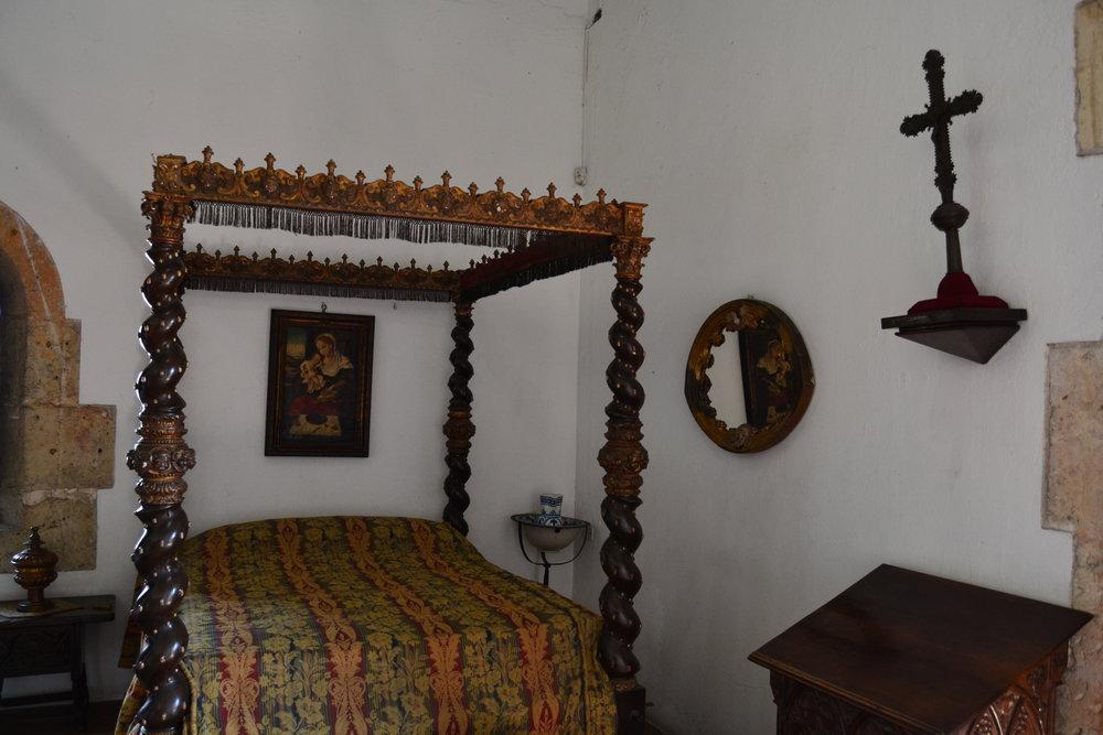 Alcazar de Colon Bedroom.jpg