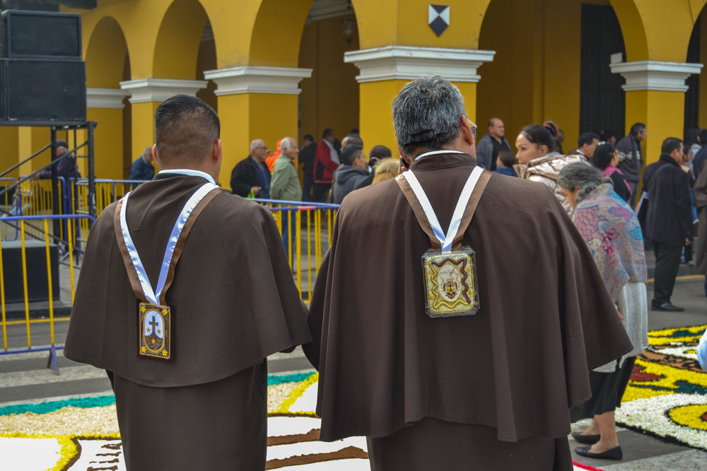 Members of the Scapular Confraternity of Carmel