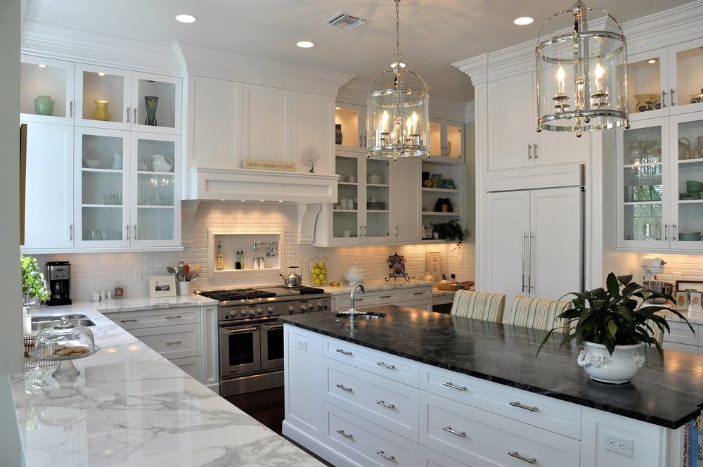 SeacrestDesigns-Kitchen-white-Cabinets-Florida-interiors.jpg