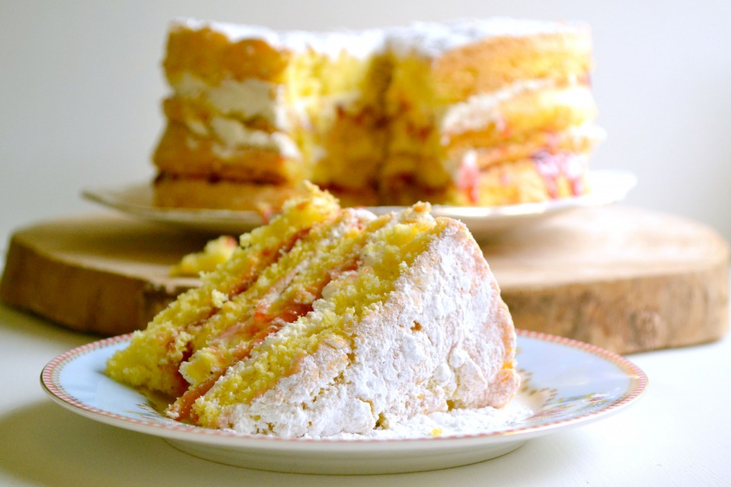 Sponge cake with cream and jam recipe