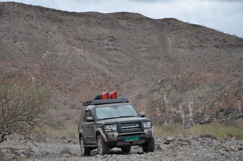 Land-Rover-LR4-Voyager-Offroad-Jusef Gideon-6949844359_1c2144348e_k.jpg