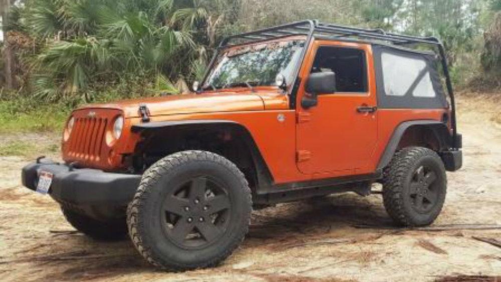 Jeep-Wrangler-JK-Low-Profile-Roof-Rack-driver-side-Voyager-Offroad.jpg