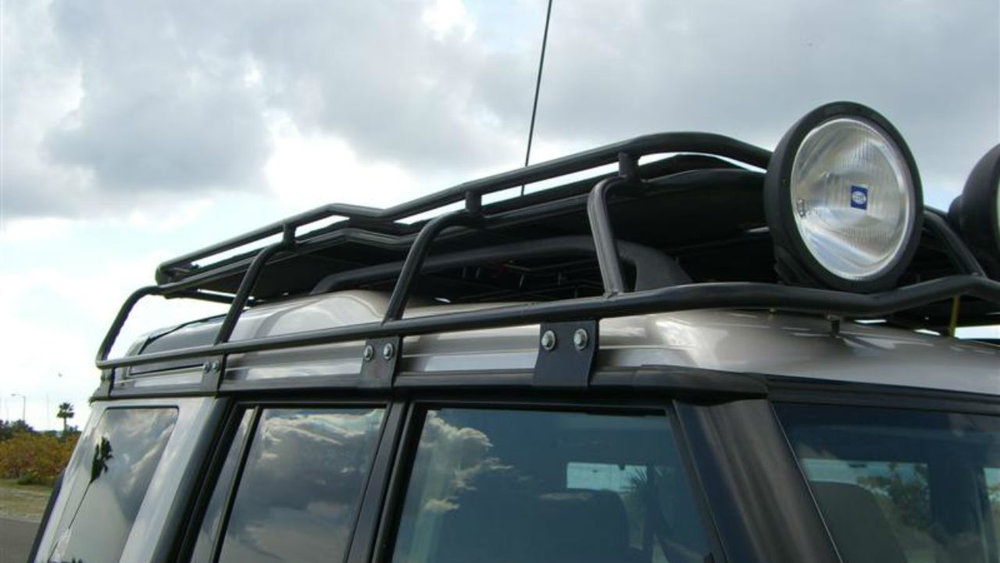 off-road-roof-rack-XL-LITE-flooring-Land-Rover-Discovery-Voyager-offroad