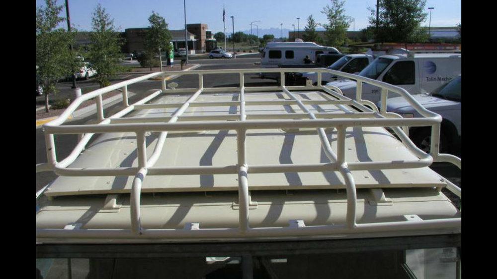 Land-Rover-Discovery-Series-II-IIA-III-roof-rack-top-Voyager-Offroad.jpg