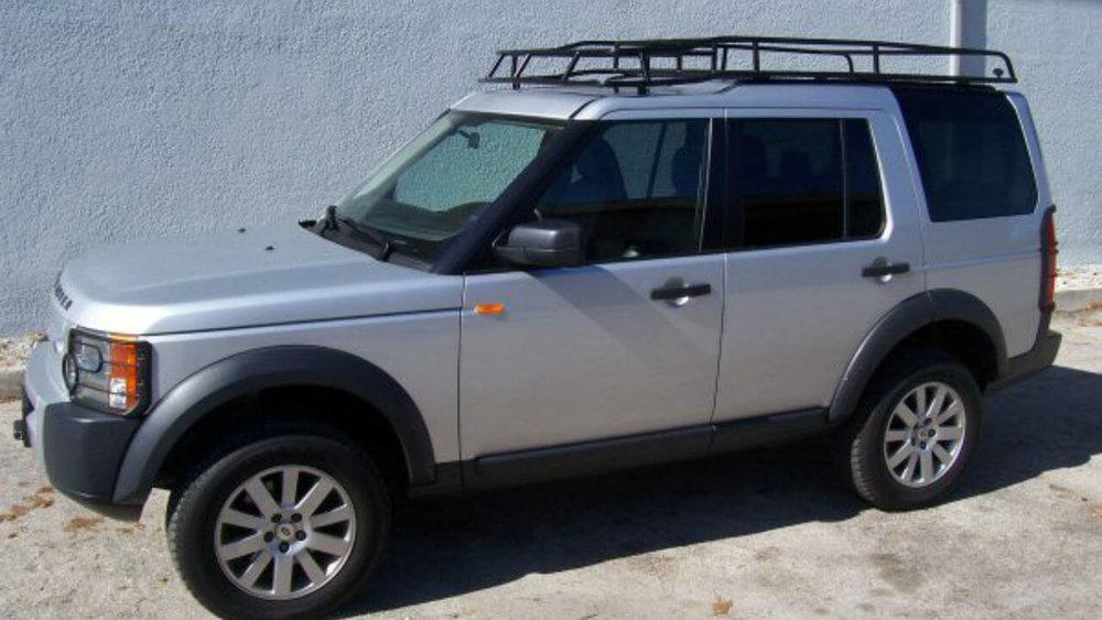 Land-Rover-LR3-Standard-Voyager-roof-rack-side-off-road-Voyager-Offroad.jpg