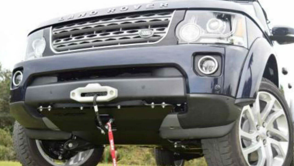 Land-Rover-LR4-off-road-hidden-winch-mount-skid-plate-Voyager-Offroad