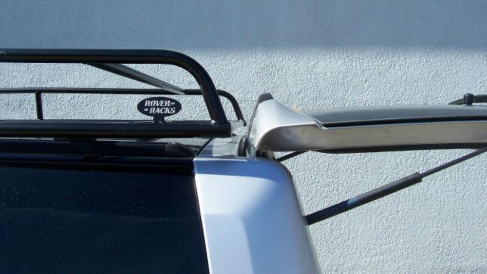 Land-Rover-LR4-Standard-Voyager-roof-rack-trunk-open-off-road-Voyager-Offroad.jpg