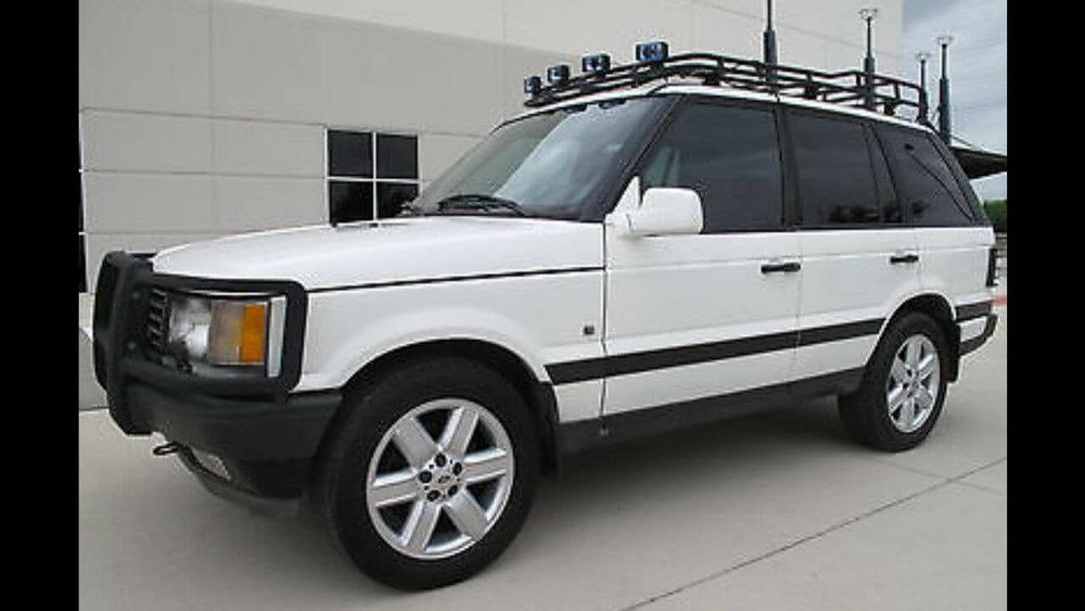 Land-Rover-Range-Rover-P38-off-road-standard-voyager-roof-rack-side-Voyager-Offroad.jpg
