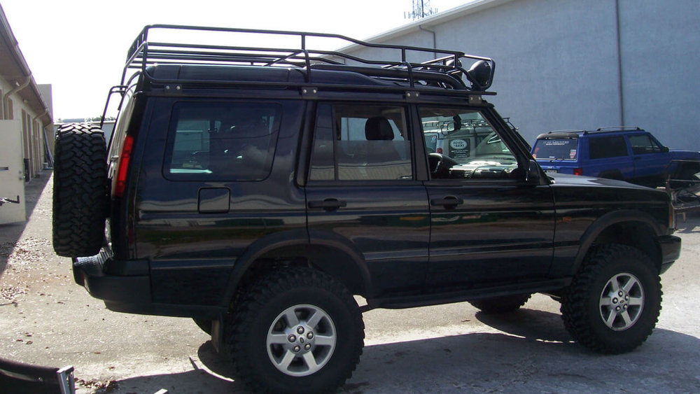 Land-Rover-Discovery-Series-II-Voyager-roof-rack-rear-tire-carrier-side-off-road-Voyager-Offroad.jpg