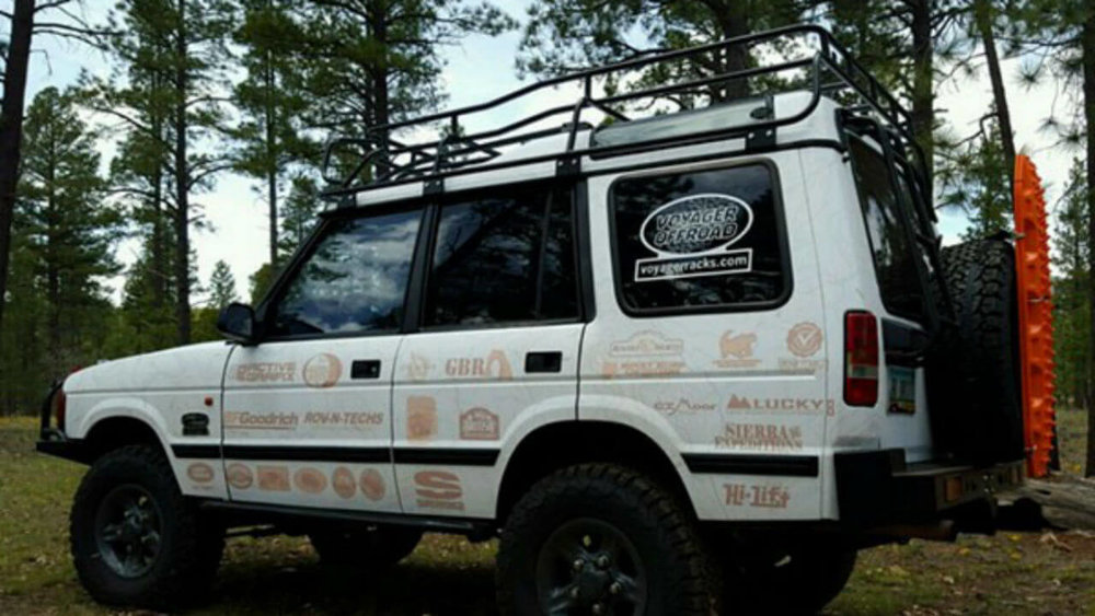 Land-Rover-Discovery-Series-I-off-road-Voyager-roof-rack-side-Voyager-Offroad.jpg