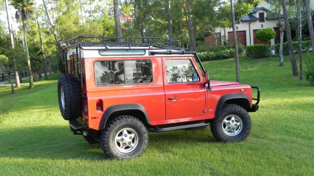 Land-Rover-Defender-90-NAS-D90-roof-rack-side-Voyager-Offroad.JPG