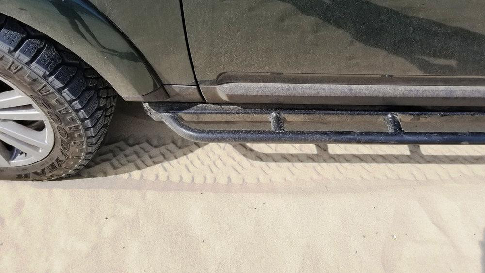 Land-Rover-LR3-standard-voyager-rock-sliders-extra-step-sand-desert-off-road-Voyager-Offroad.jpg