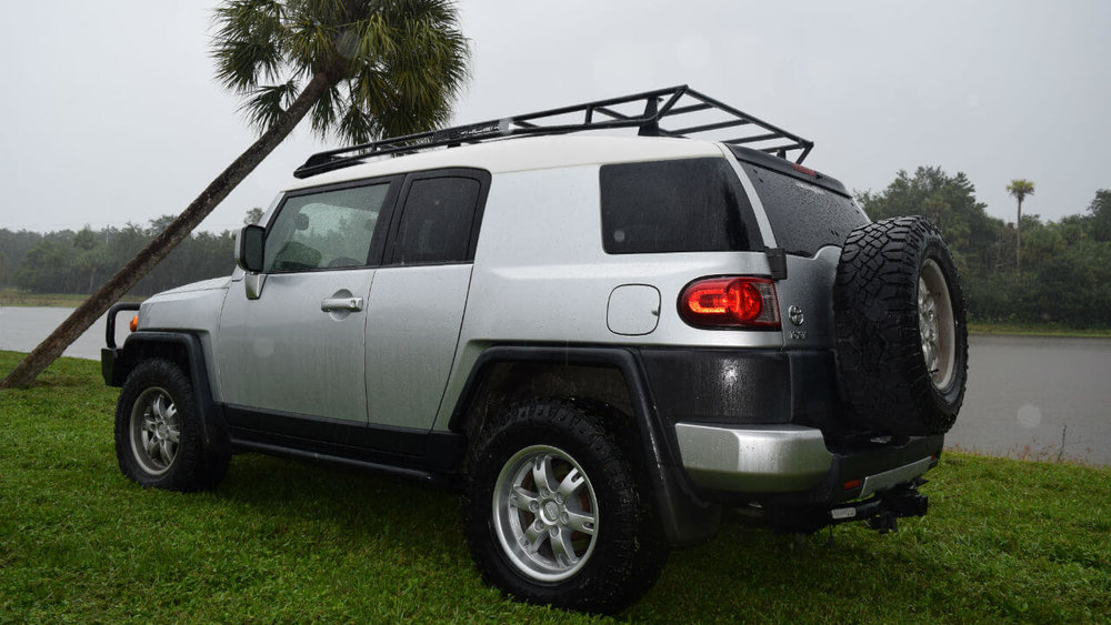 Toyota-FJ-Cruiser-off-road-roof-rack-driver-side-Voyager-Offroad.JPG